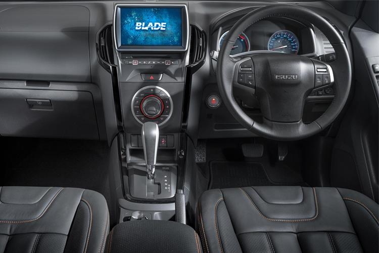 Isuzu D-MAX Pick Up Double Cab 4wd 1.9 TD 4WD 164PS DL40 Pickup Double Cab Auto [Start Stop] inside view